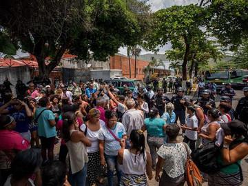 Motín en prisión venezolana dejó más de 70 muertos