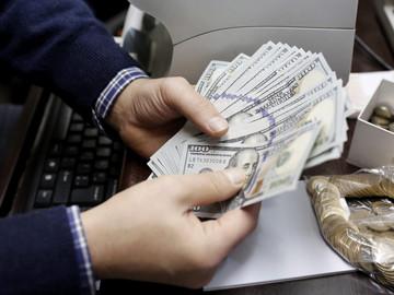 Dólar negro superó los 800 bolívares este martes