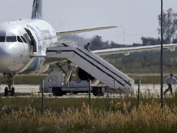 Pasajero secuestra avión de Egyptair