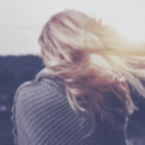 girl-1246525_1920 (0;00;00;00).jpg