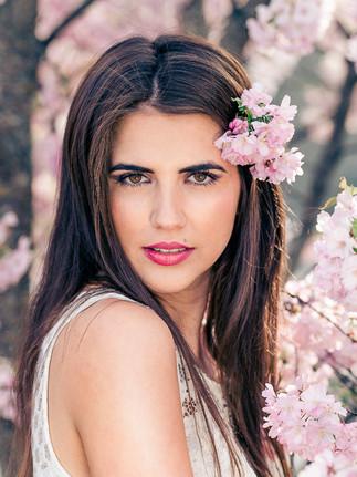 Flower-Outdoorshooting-Caroline