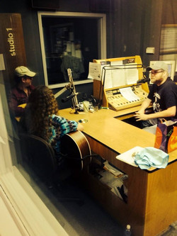 SuperStar Country 98.5 interview