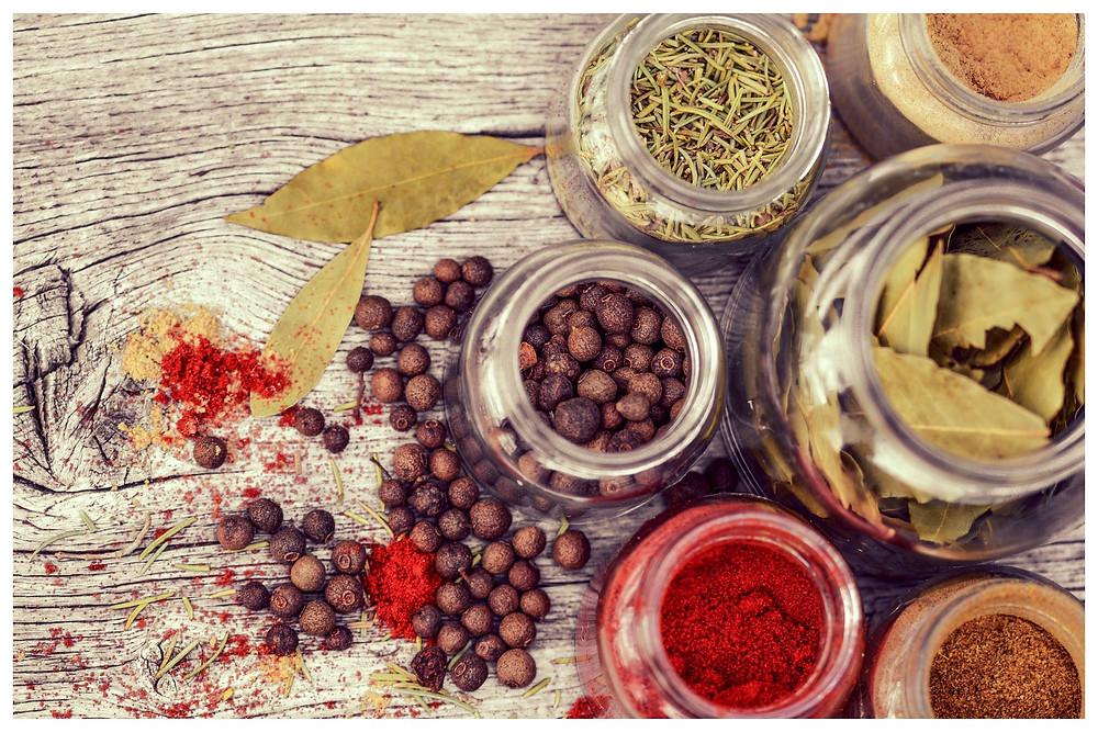 especiarias para sachês perfumados