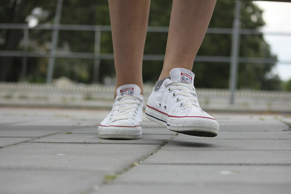 Startblog | White sneakers are in the fever of street style fashion