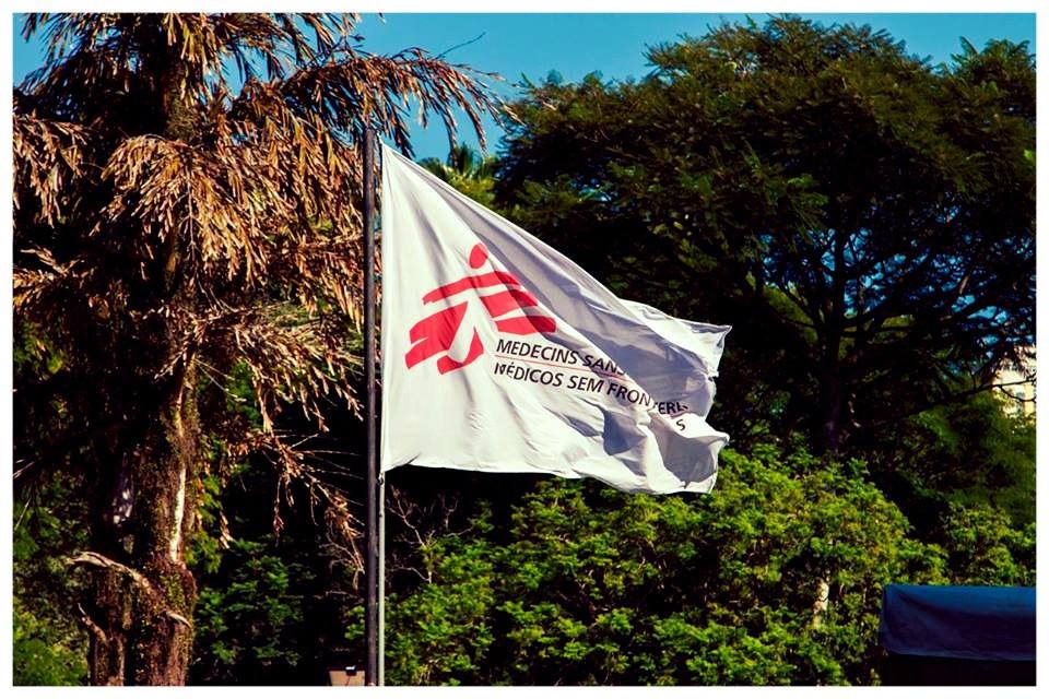 (Imagem/foto/divulgação) bandeeira médico sem fronteiras