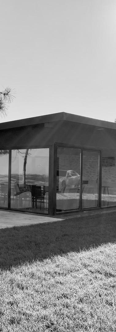 Glass House.2019