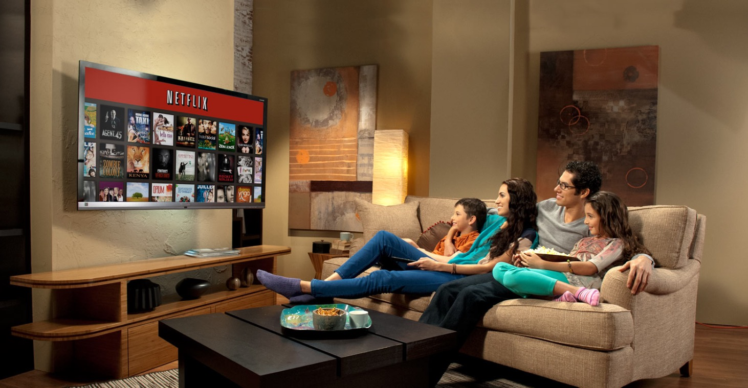 Live-Netflix-on-TV-screens-for-family-living-rooms_edited