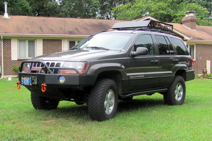 WJ Front Bumper w/PreRunner Light Bar and Recessed Lights