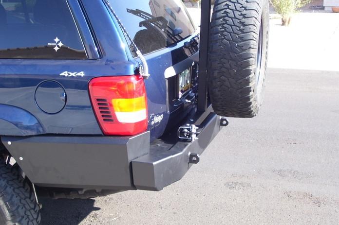 WJ Rear Bumper w/Tire Carrier 3