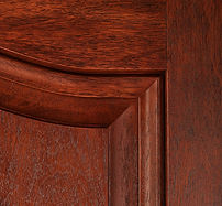 Mahogany close up scroll top corner_Z8L2