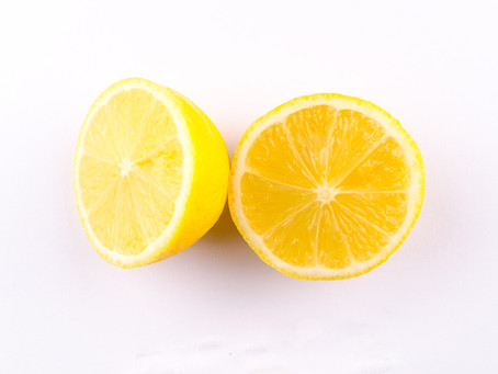 The 5 Best Natural Acne Spot-Treatments Using Things From Your Kitchen