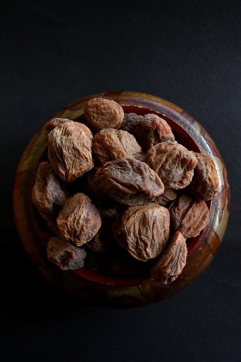 Premium sun-dried Apricots of Ladakh