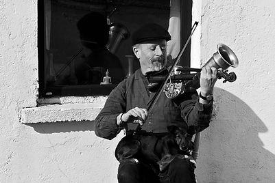 Gerry Harrington traditional Irish Fiddle Teacher lessons