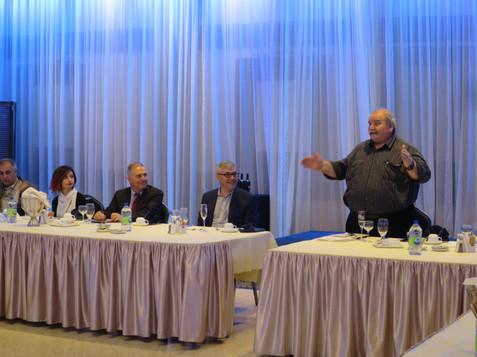 Gennaro addressing mayors