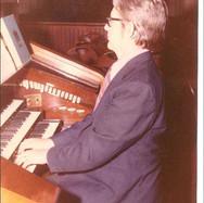 Robert Schaffer at Original Wicks console