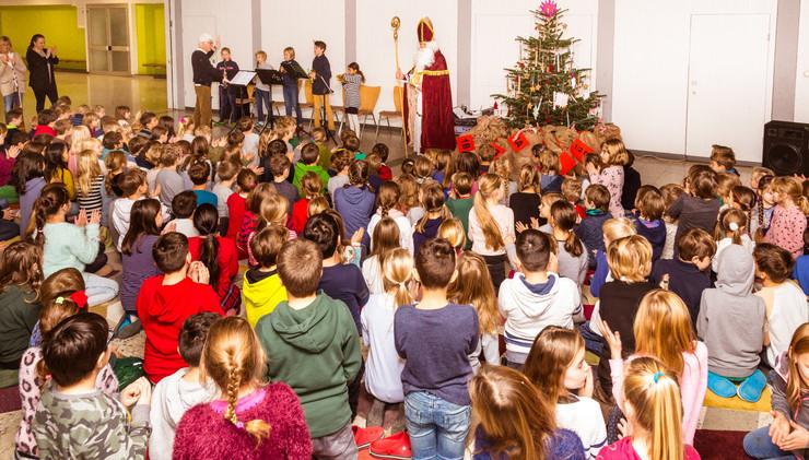 Nikolausfeier in der Aula