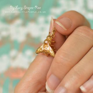 gold honey bee pendant