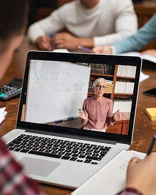 21_aulas-online-como-a-uva-esta-adaptand