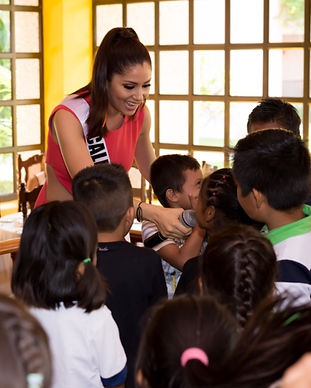 Miss U.S. Latina with children
