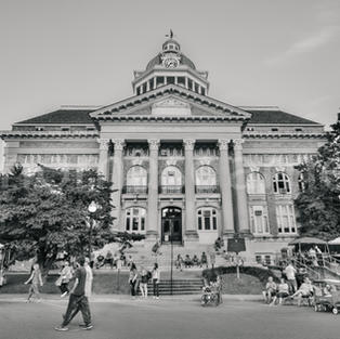 Giles County Courthouse B&W