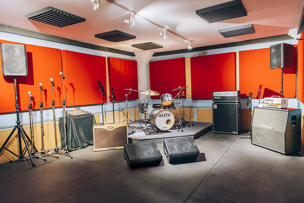 Réservez notre studio l'Urbain pour votre prochaine répétition! 514-769-6515