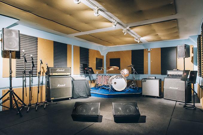 Réservez notre studio «Le Club» en ligne ou au 514-769-6515 - Musicopratik Verdun