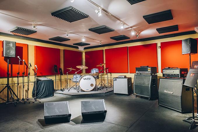 Réservez notre studio «Le Garage» en ligne ou au 514-769-6515 - Musicopratik Verdun