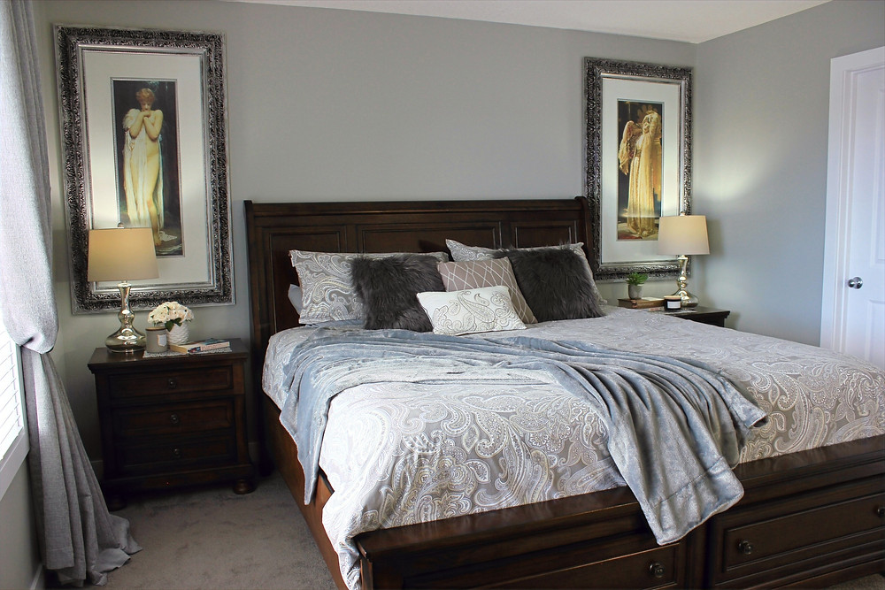 Small master bedroom with large_scale furniture | home decor |