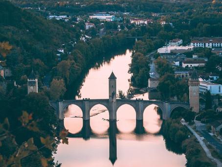 Cahors (46), coucher de soleil sur le Pont Valentré...