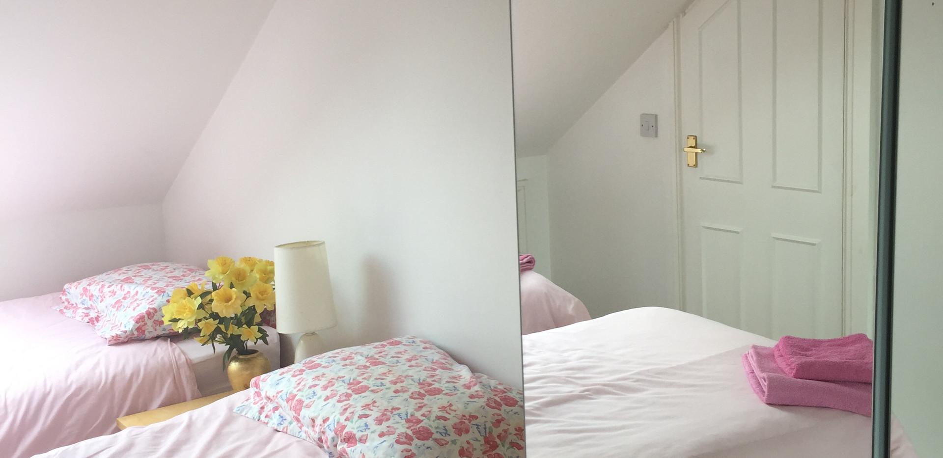 Bedroom 2. Twin Beds