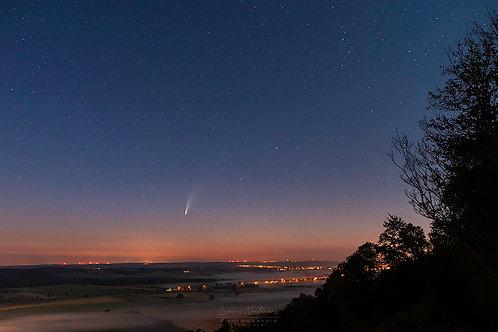 La comète Néowise  au dessus de la plaine de Famenne 40cm x 60cm