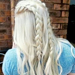 How many of you are blonde and complain about dehydrated hair, or are scared to go blonde because yo