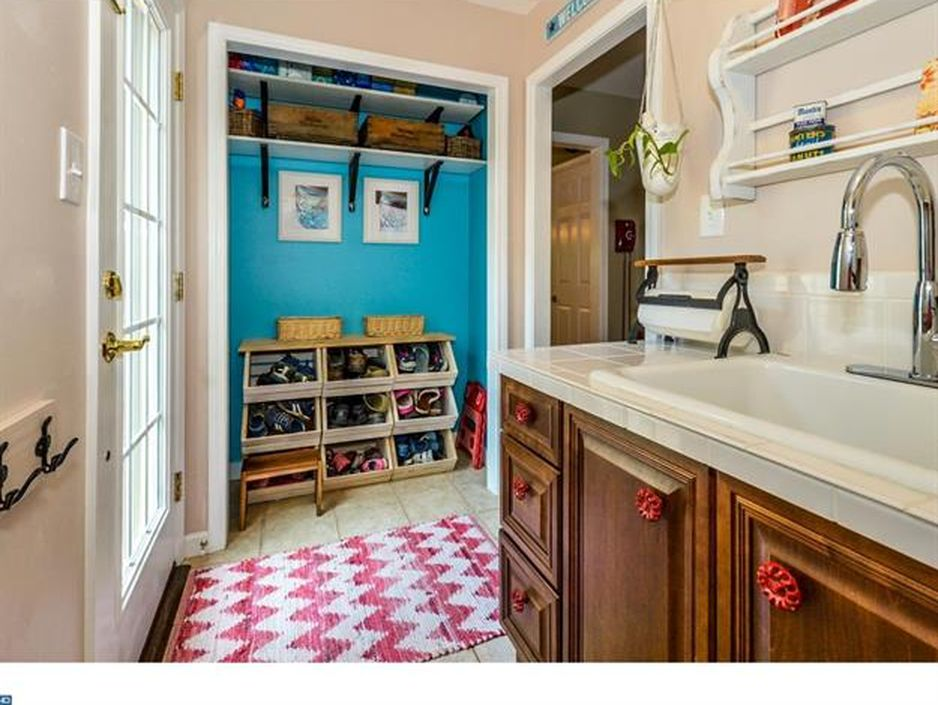 Red Fox Laundry Room