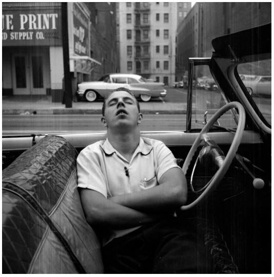 New York, NY, 1955. © Vivian Maier/Maloof Collection, Courtesy Howard Greenberg Gallery, New York fotografa