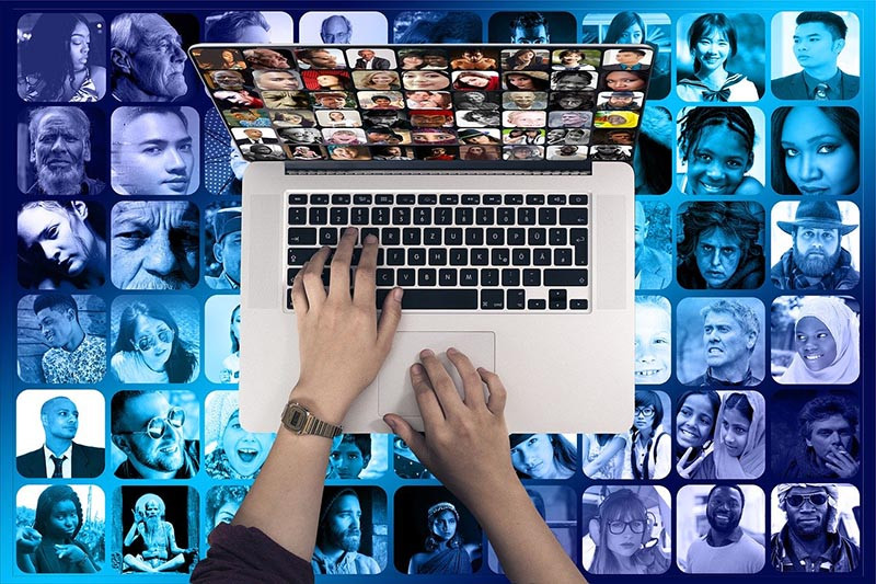 successo social media network