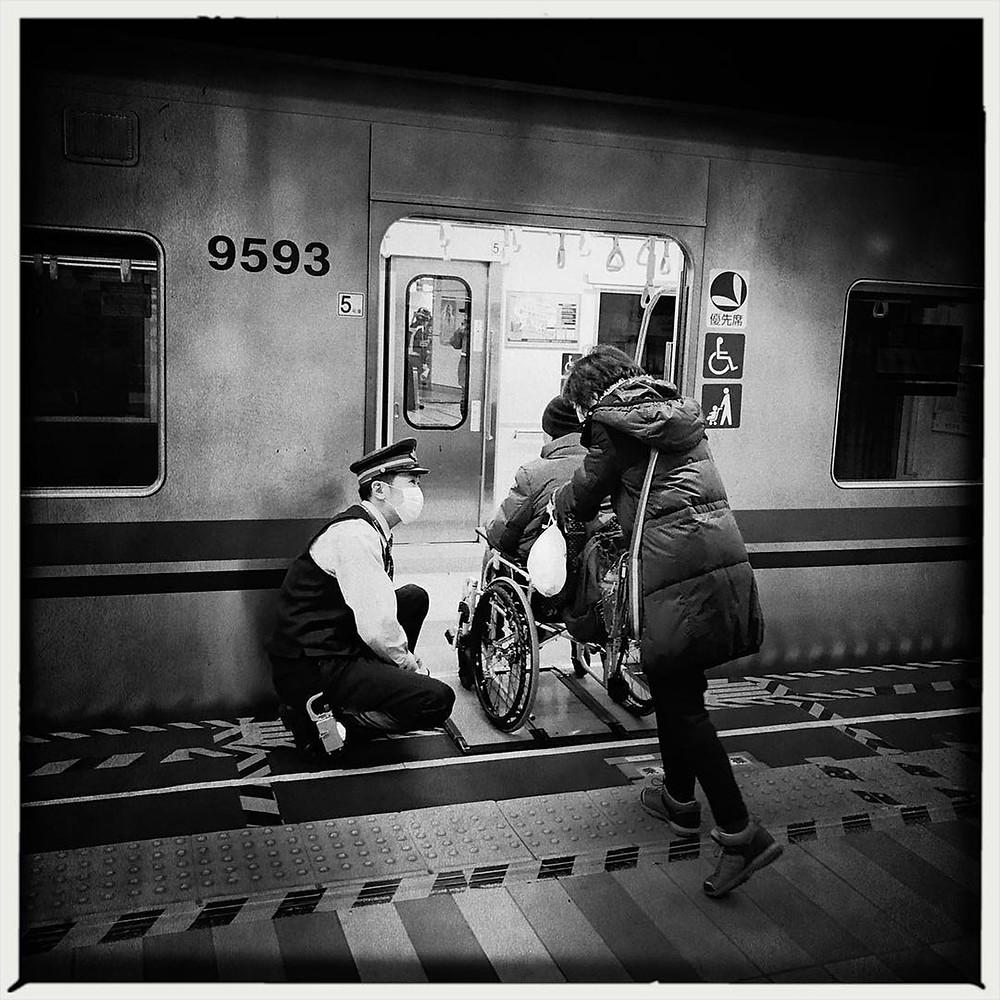 Giorgio Cosulich giappone tokyo metropolitana smartphone bianco e nero iphone 6