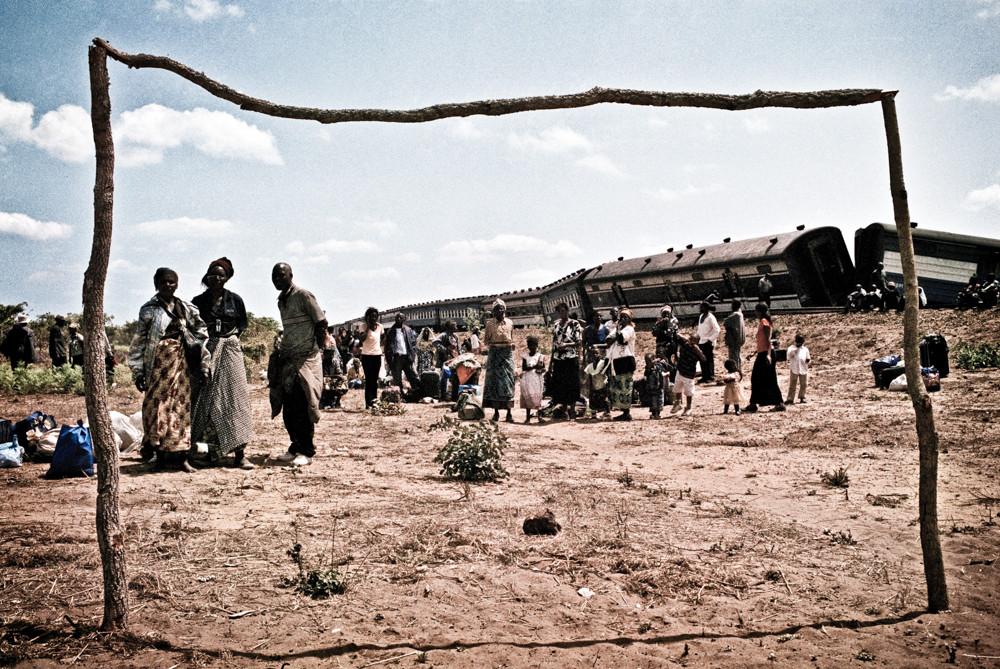 Africa Express treno deragliamento reportage giorgio cosulich