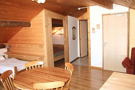 le-grand-tetras-hebergement-hotel-gite-les-rousses-restaurant-dormir-logement-groupe-vacances-jura-montagne-station-loisirs-appartement