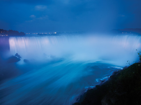 Experience Thunderous Niagara Falls. Recommendations for touring and visiting Canada.