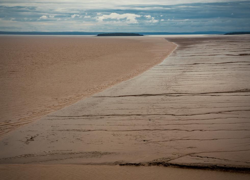 Witness 15m vertical tidal changes and walk on the ocean floor