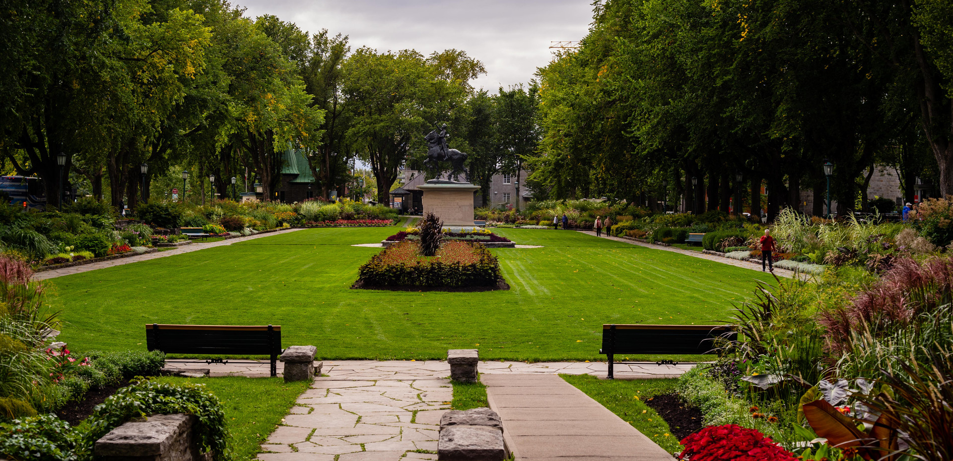 Visit the parks and grounds of the Plains of Abraham within the Battlefields Park