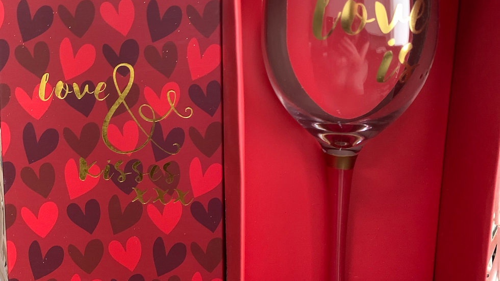 Love and Kisses Wine Glass