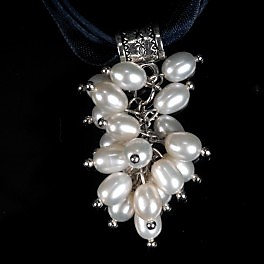 Cluster of real pearls necklace