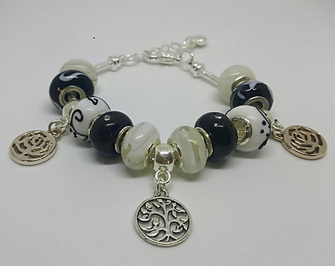 Bracelet with beads with Tree of Life