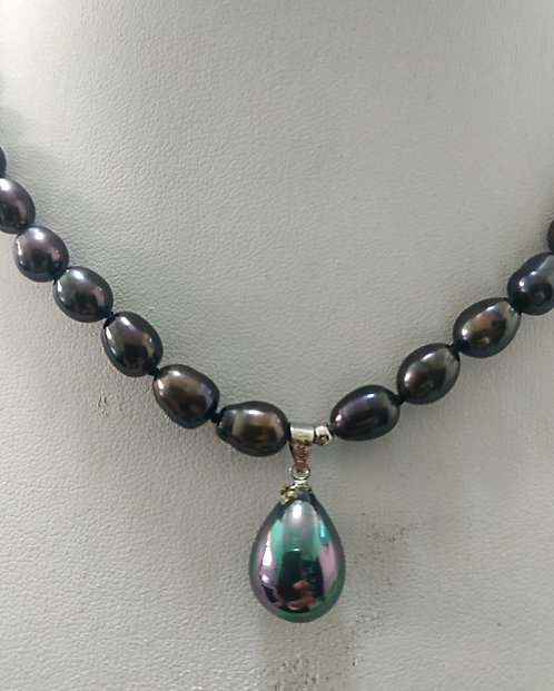 Blue/eggplant color - pearls necklace