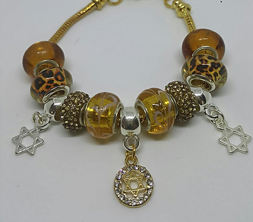Bracelet with beads and gold Star of David with Zircons