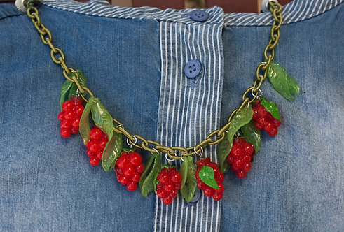 Berries necklace