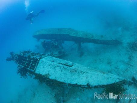 水中に眠る零式水上偵察機 三機