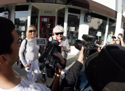 Los Angeles: Paparazzi on Ruth Flowers