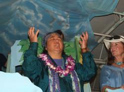 Kimie singing pule (prayer) blessing